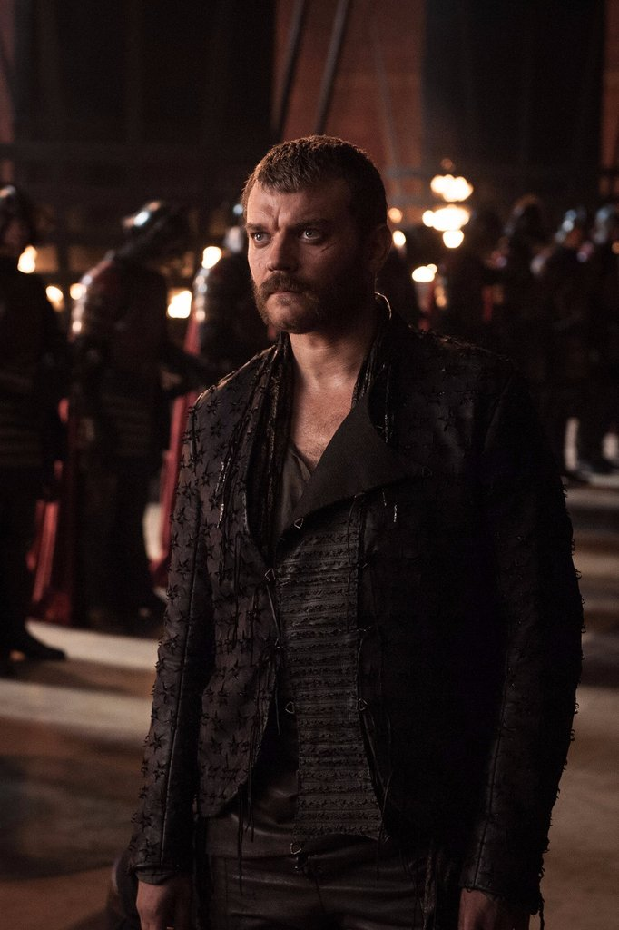 euron-greyjoy-new-outfit-game-thrones-season-7